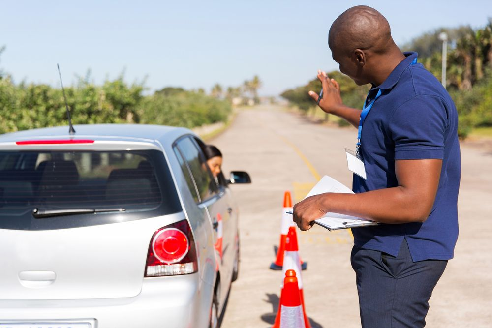 Tips on Choosing a Driving School Driving school
