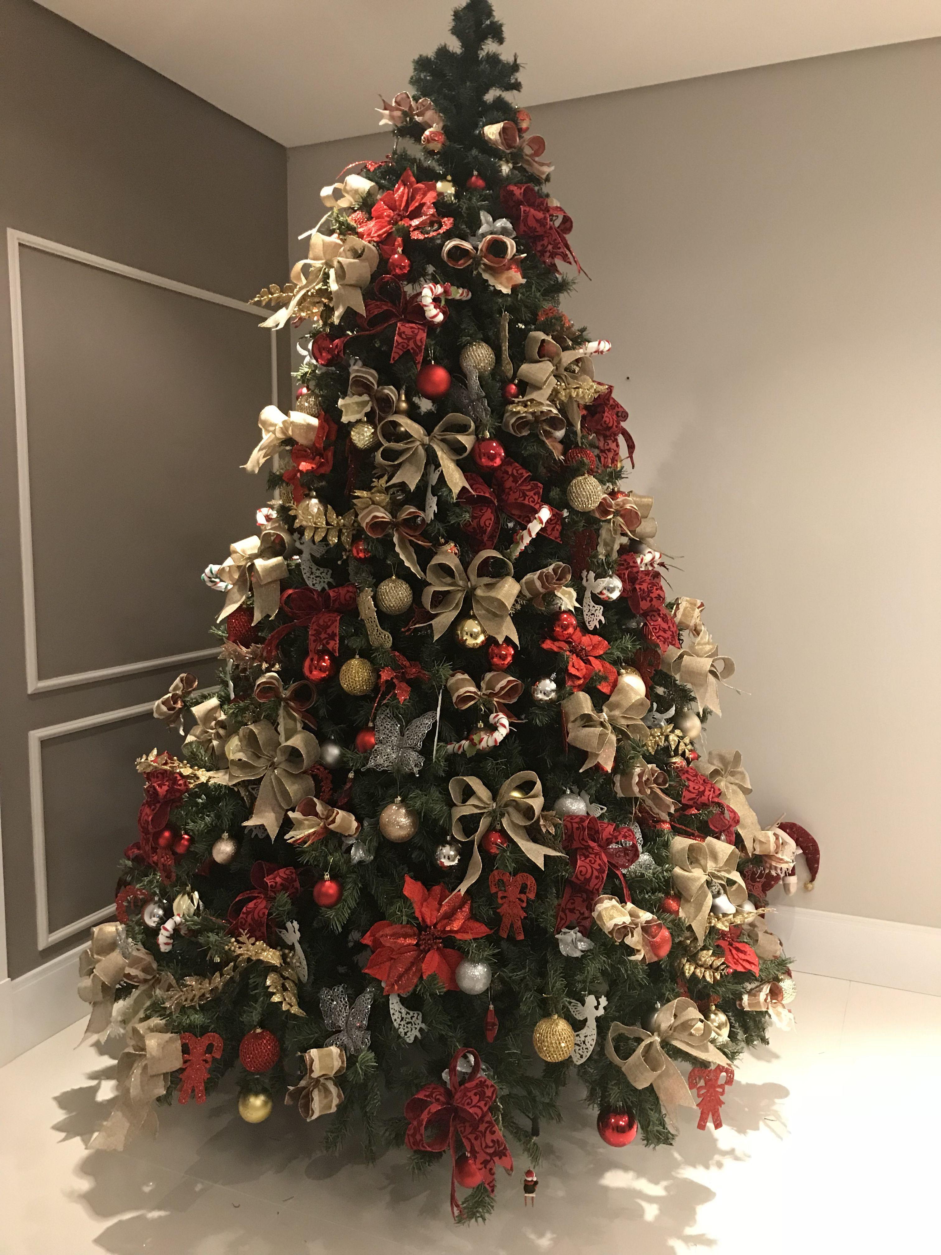 Arvore De Natal Vermelha Dourada E Prata Arvore De Natal Dourada