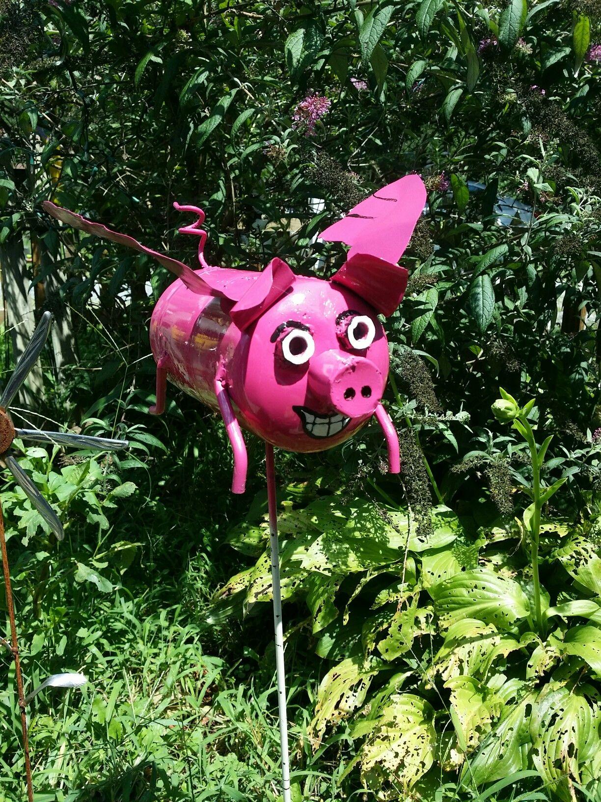 Flying pig 1 lb recycled propane tank christmas