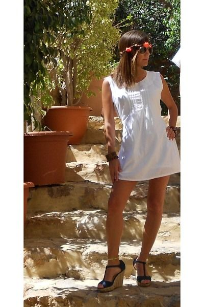 white dress vestido ibicenco