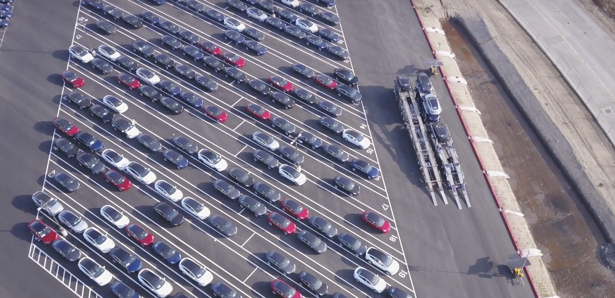 Tesla Brings Back Free Supercharging To Inventory Cars And Model 3 To Help Sell Cars In End Of Quarter Rush Electrek Tesla Model Tesla Tesla Factory