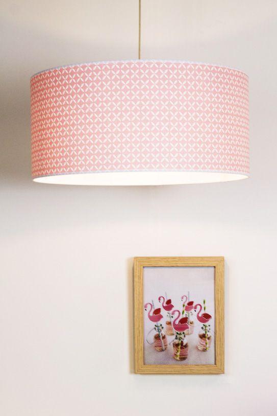 abat jour chambre garcon Laurie Lumière, luminaire chambre enfant, suspension abat-jour rose.