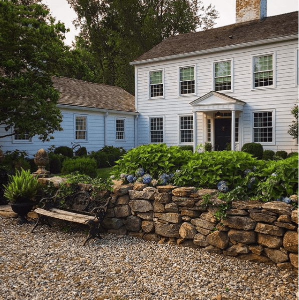 Classic Connecticut Garden: A Nineteenth Century Connecticut Farmhouse And Garden