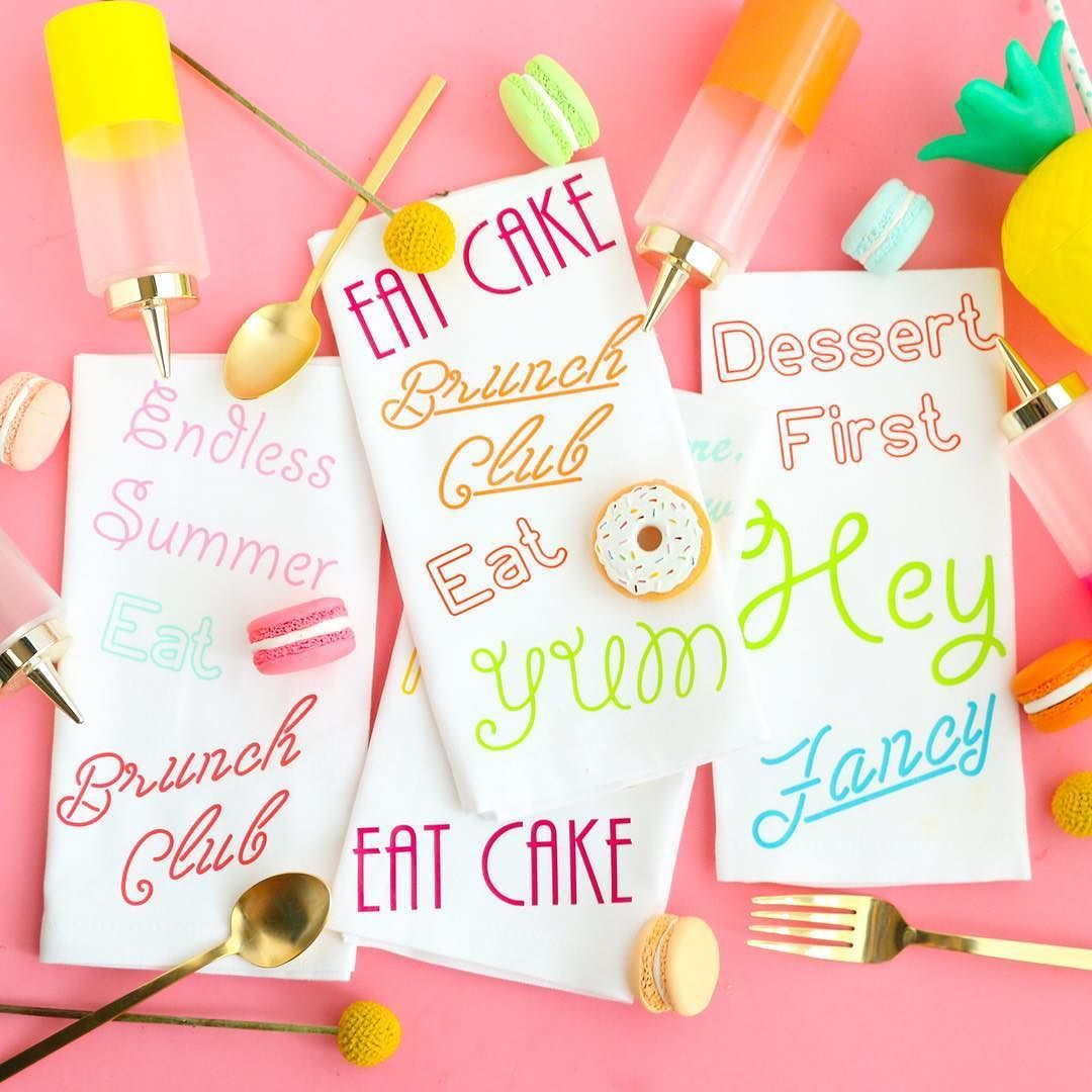 Virtual craft club diy vinyl wood slice sugar bee - Diy Neon Sign Napkins Using Htv Heat Transfer Vinyl And The Silhouette Cameo Complete With Free Cut Files Perfect For Brunch Or A Dinner Party Diy