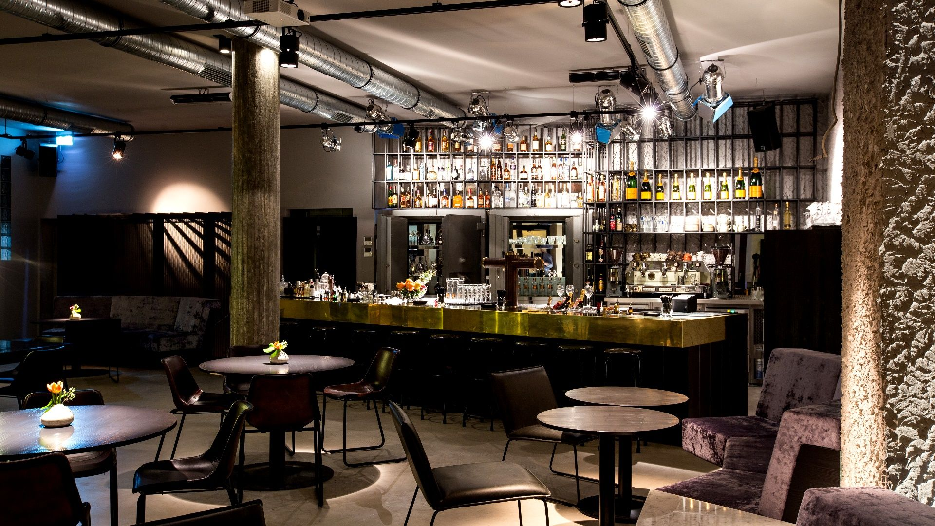 jesse james restaurant bar stylishes bar restaurant frankfurt main restaurant bar. Black Bedroom Furniture Sets. Home Design Ideas