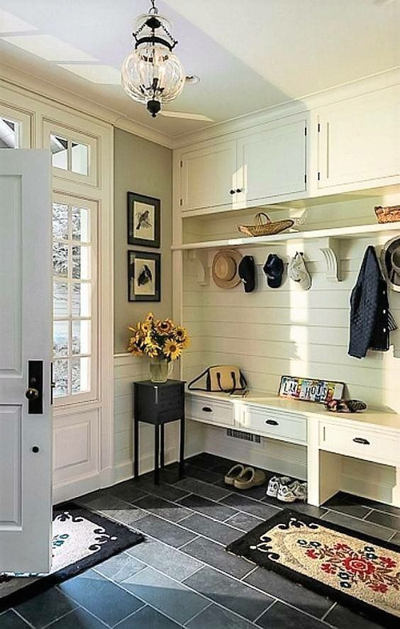 Mud room built-ins - but add doors to cover clutter | 1000 ...