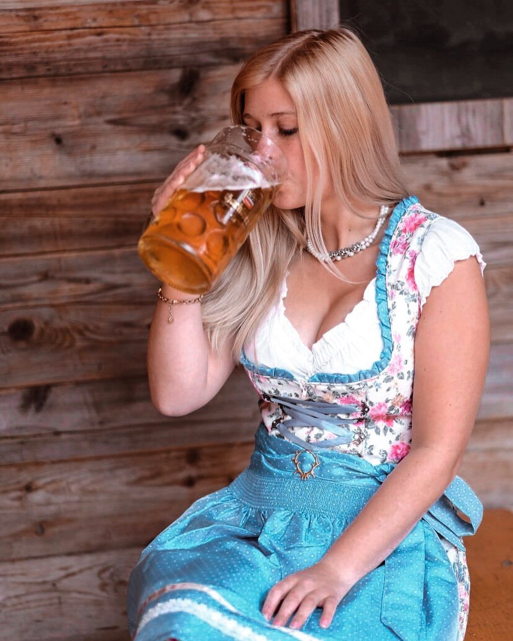 Dirndl | Dirndl, Wearing dress, Passau