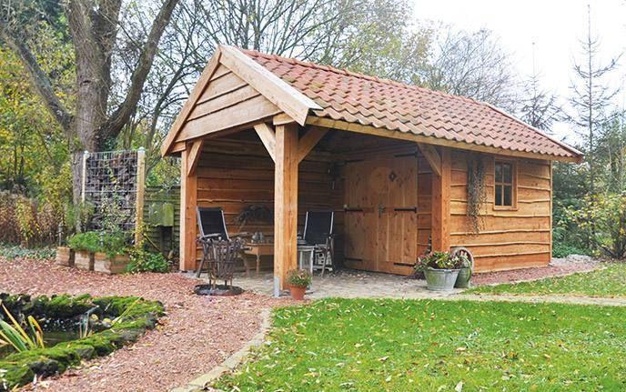 Gartenhaus aus Holz nach Maß mit Schuppen und Überdachung