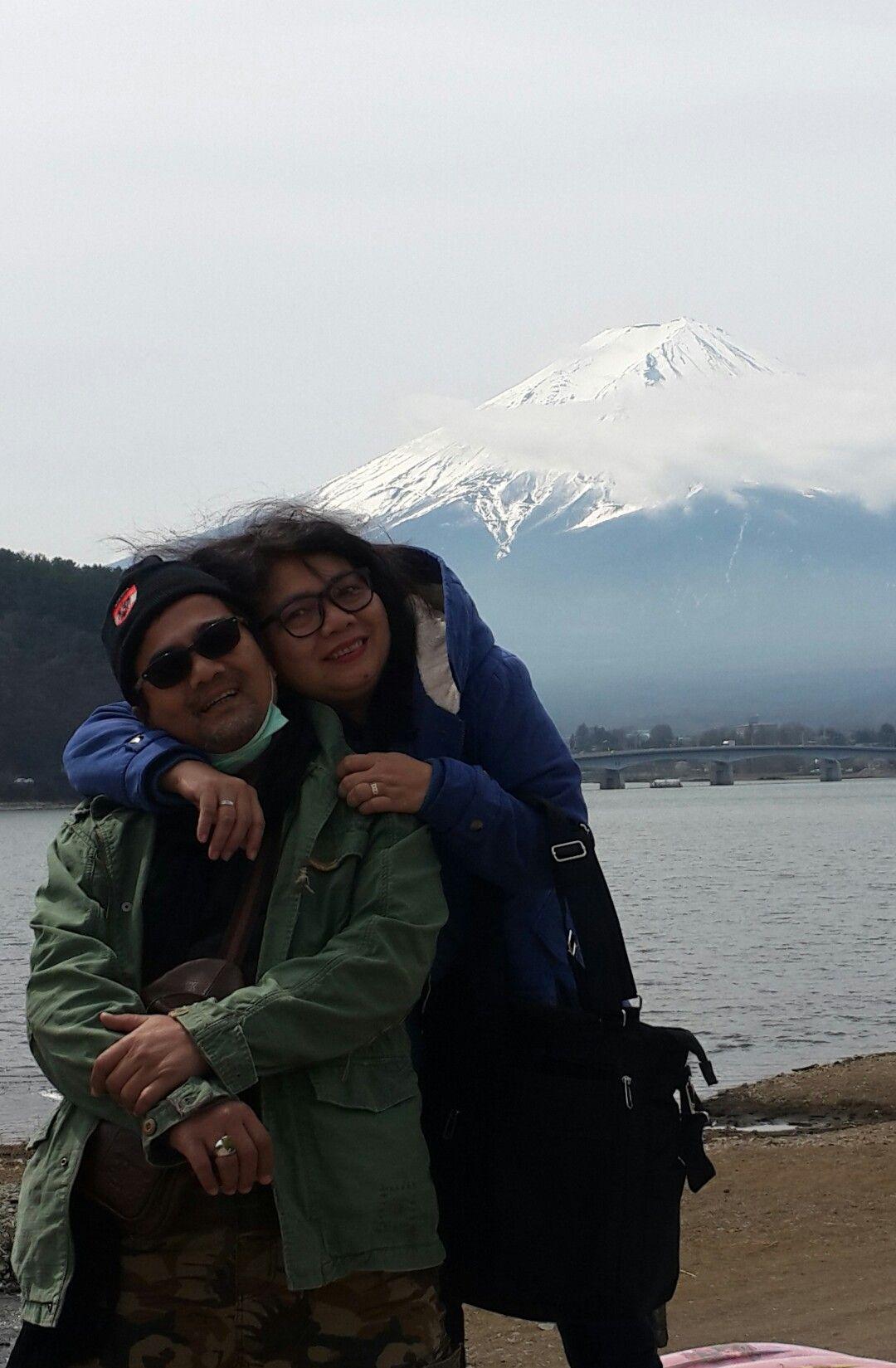 @Lake Kawaguchiko, Mt. Fuji. Berdua bersamamu mengajarkan ...