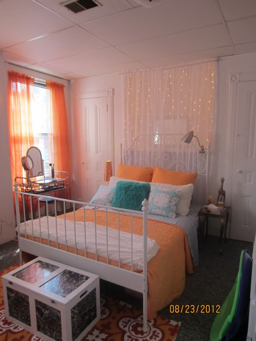 light college apartment rooms. College Chic Girls Apartment  Small College Apartment Decorated On A Budget Using Thrift Store And