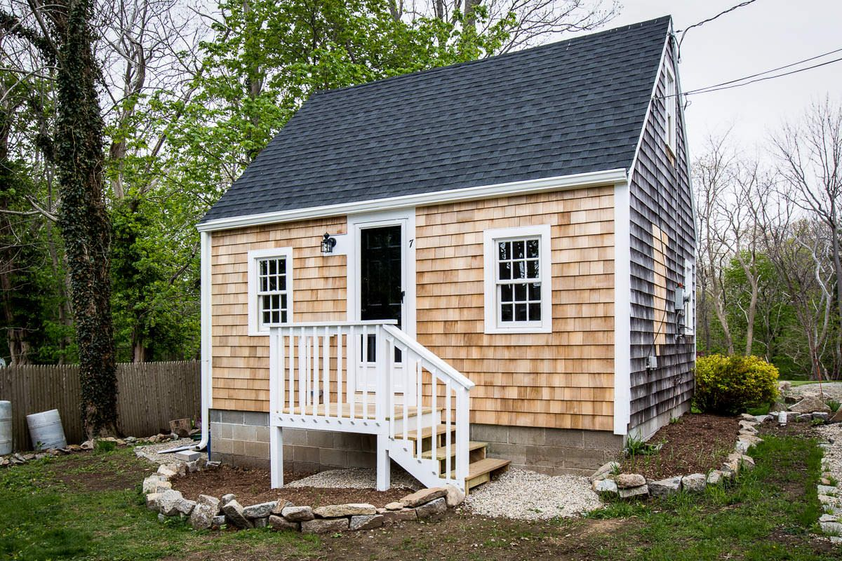 Beach House Colors In A Harmonious Way In 2020 Beach House Exterior Tiny Houses For Rent House Exterior