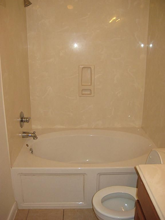 Soaker Tub Shower Combo Google Search Inexpensive Bathroom Remodel Small Bathroom Shower Tub