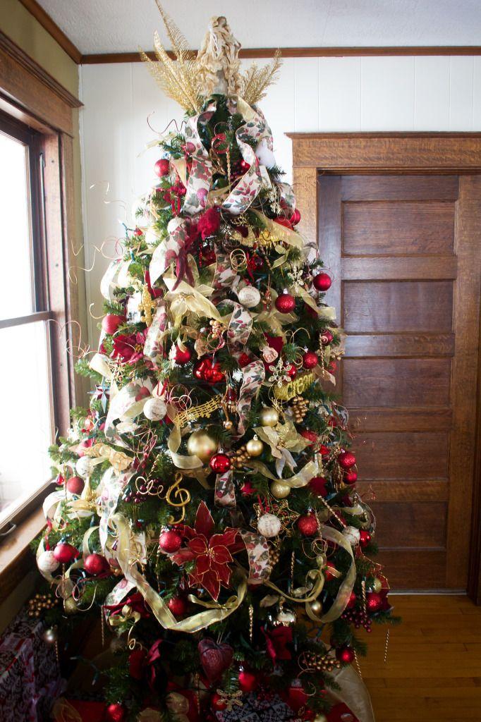 Music Themed Overstuffed Tree Christmas Tree Decorating Ideas Christmas Tree Best Artificial Christmas Trees Christmas Tree Decorations