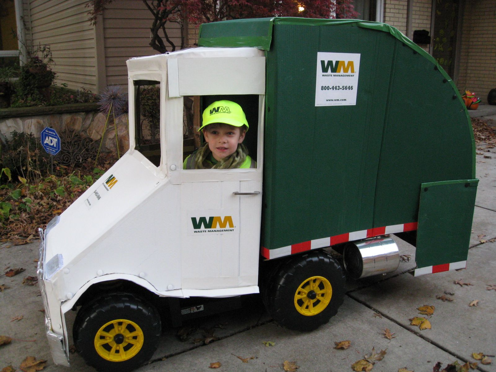 Garbage truck Halloween costume | CARDBOARD CREATIONS | Pinterest ...