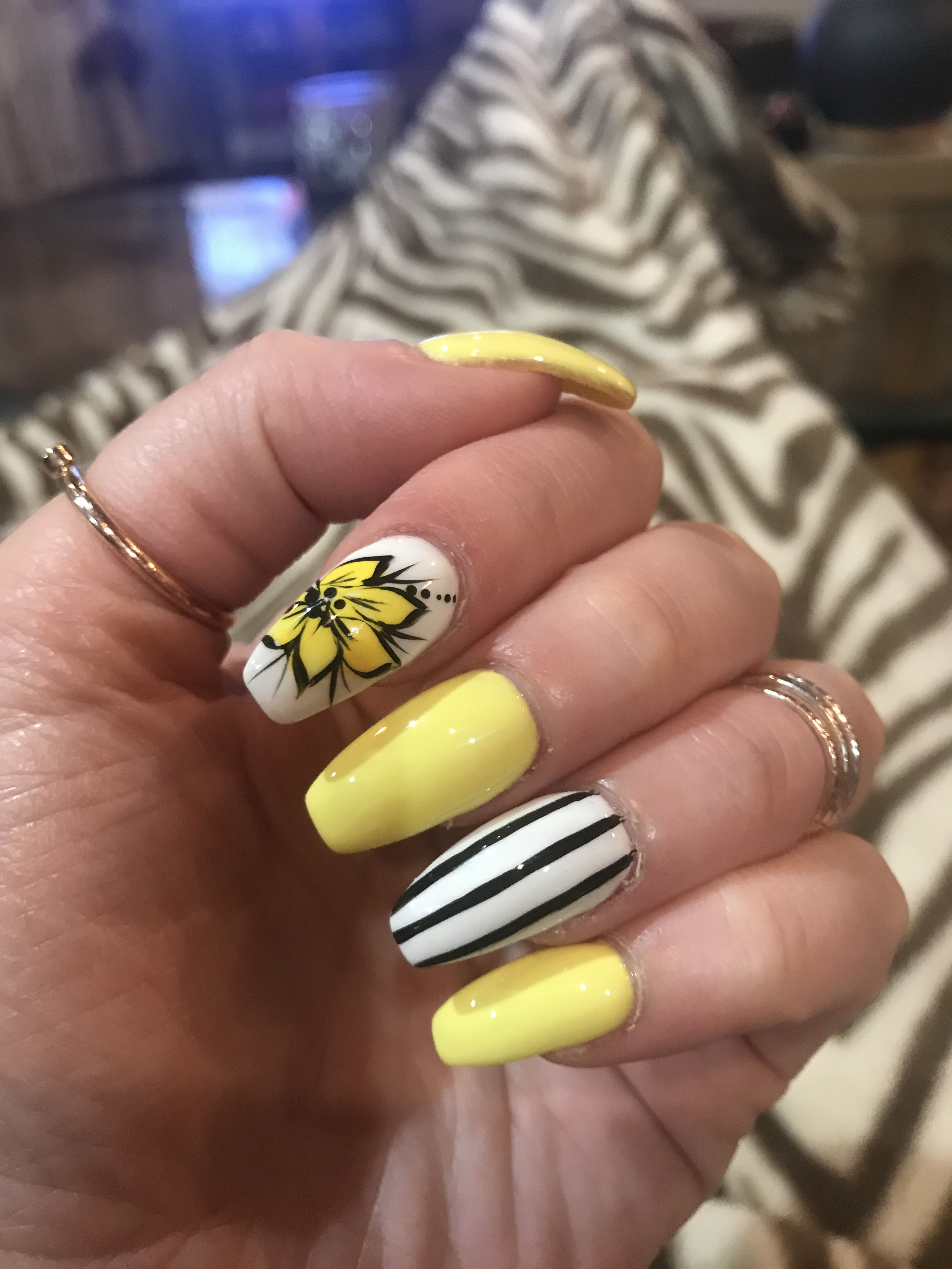 Yellow Nails Flower Design Black And White Stripe Yellow Nails Striped Nails Flower Nail Designs