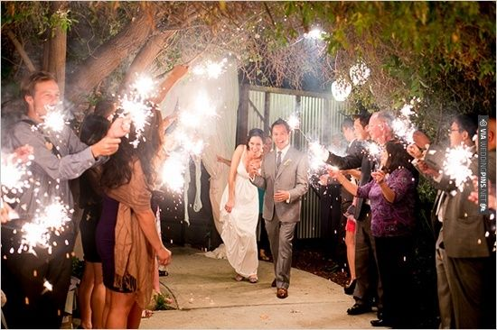 sparkler exit | VIA #WEDDINGPINS.NET