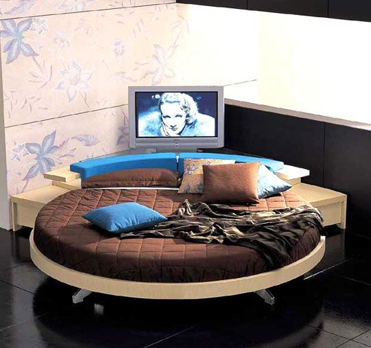round bed... i kinda like it