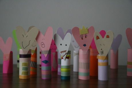 CUTE! I can use all the toilet paper tubes I have saved to do this Valentine craft!