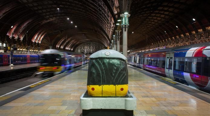 #FoodDesign - The #Train Made from #Cake - Find out more: http://www.finedininglovers.com/blog/out-of-the-blue/cake-design-train/