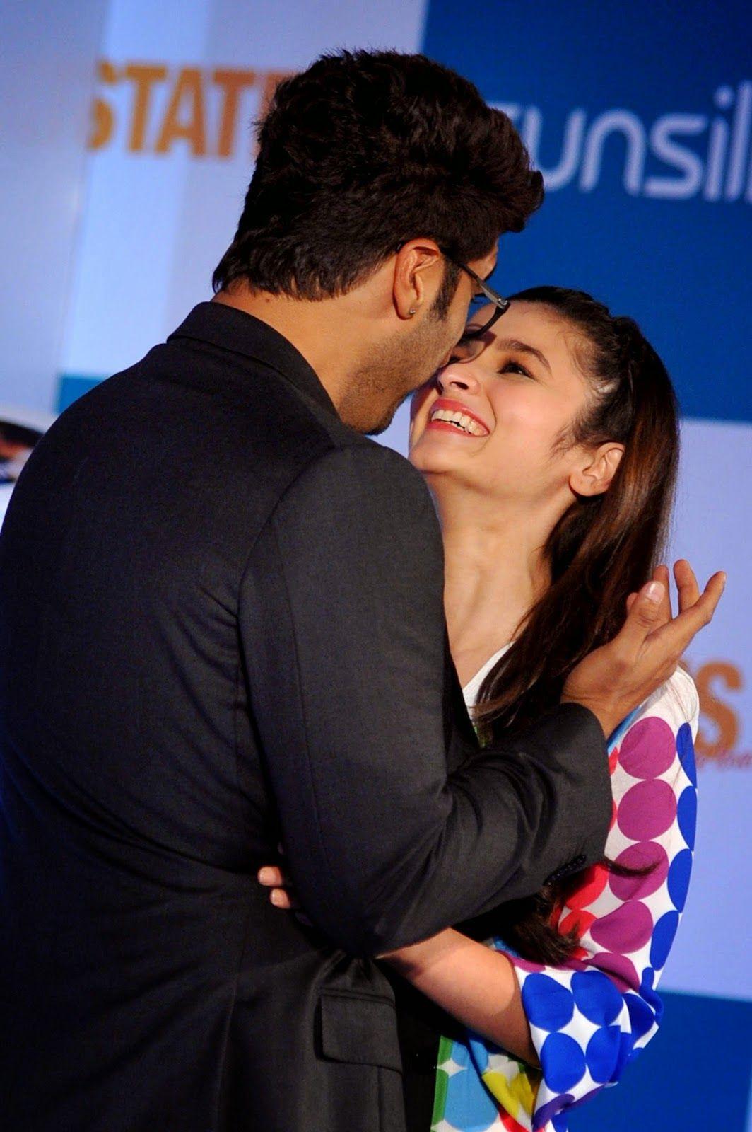 Indian Bollywood Film Actors Arjun Kapoor L And Alia Bhatt Pose
