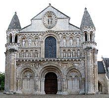 Romanesque Architecture Notre Dame La Grande Early 12th Century West Facade Elaborate Bordered Arcades H Romanesque Art Romanesque Architecture Church
