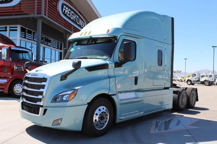 Pin By David Steele On Truckin Trucks Semi Trucks For Sale Freightliner
