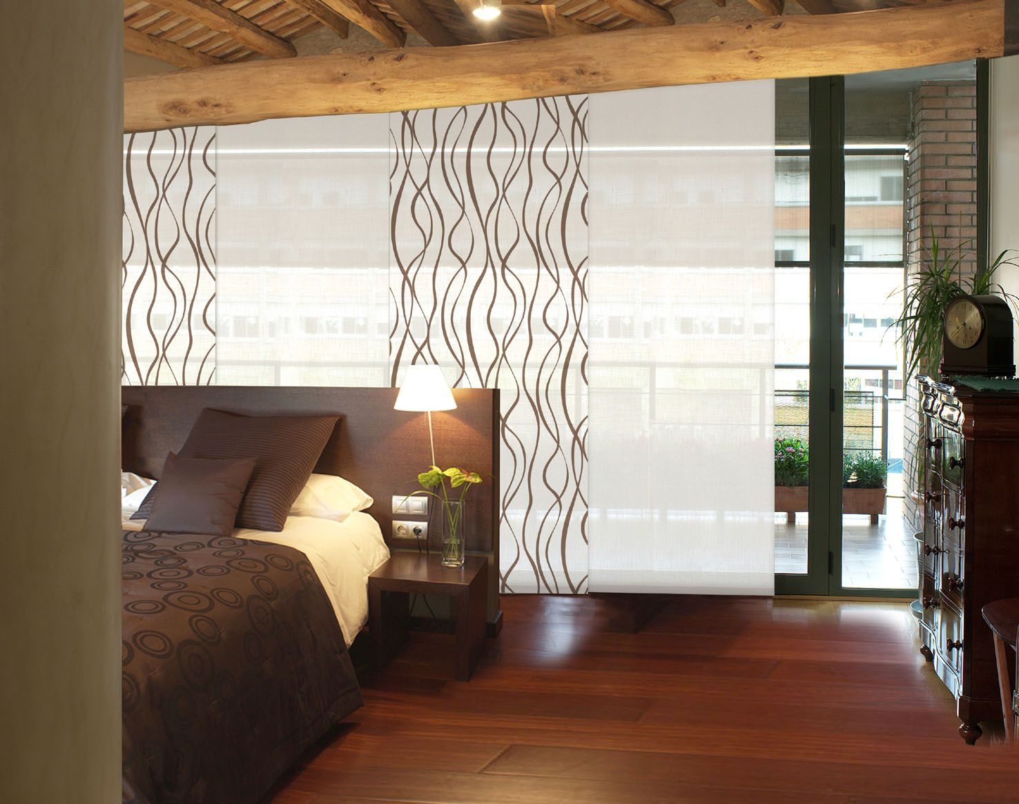 Especialmente dise ado para cubrir grandes ventanas en for Telas cortinas salon diseno