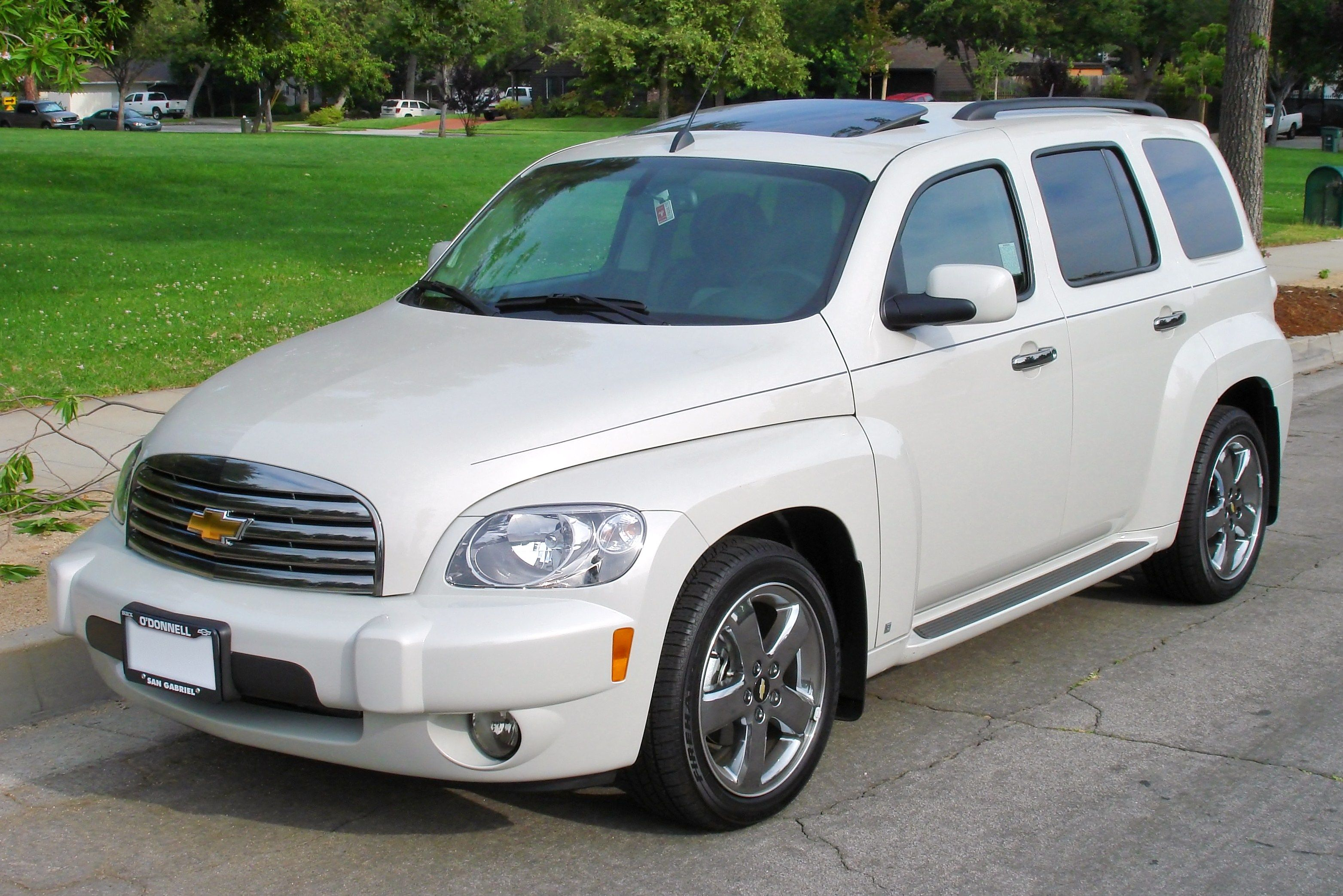 chevy hhr i love the 40 s look to these vehicles i d like to have rh pinterest com 2011 Chevy HHR LT 2011 Chevy HHR Silver
