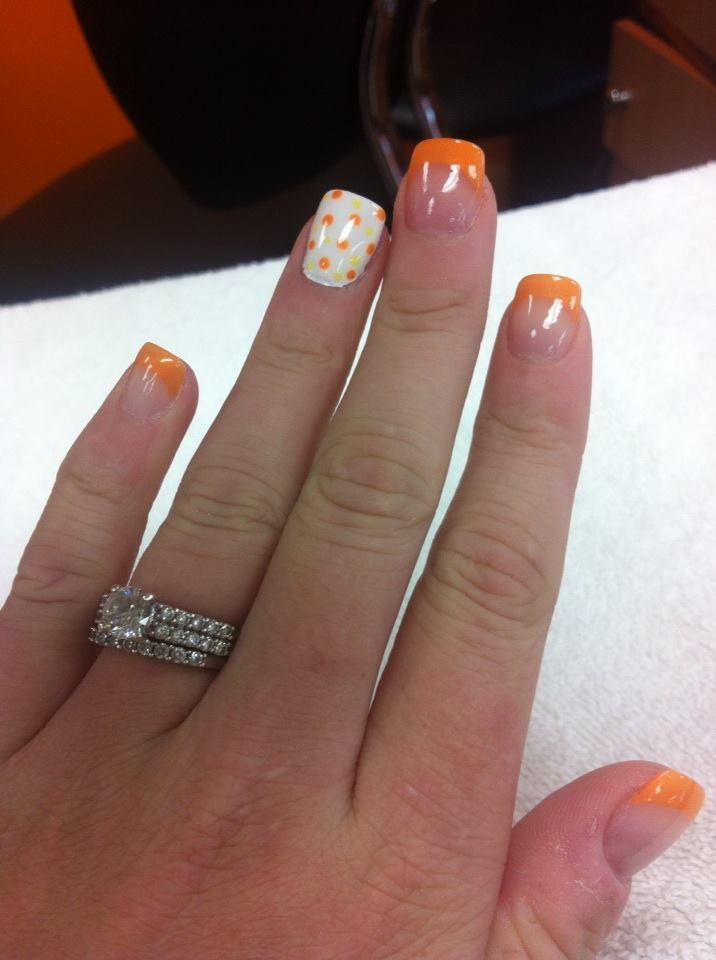 Halloween nails/ Use these colors instead: Tips and accent nail base ...