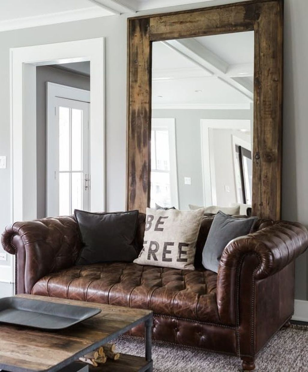 cool 47 Amazing Rustic Farmhouse Living Room Decoration Ideas https ...