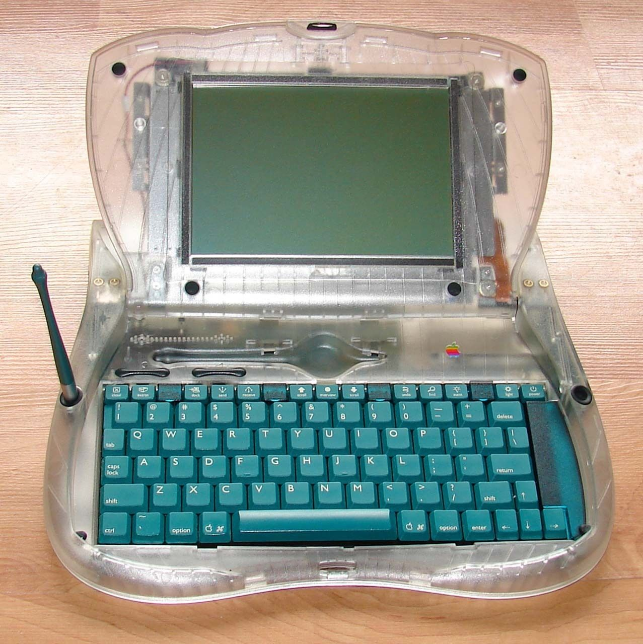 Rare Apple Vintage eMate 300 Laptop. Only 6 were made in clear as prototypes
