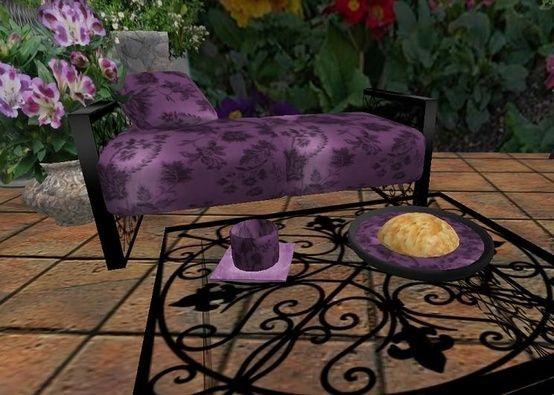 Purple picnic tables | Pretty purple patio furniture