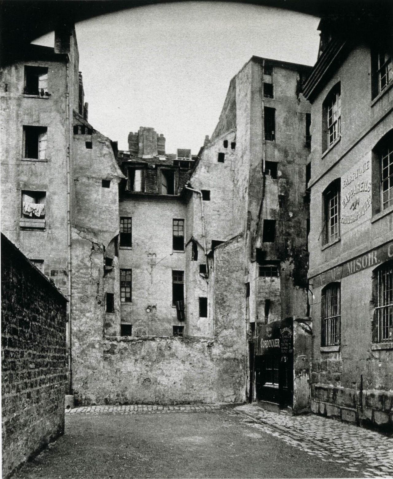 Architecture Photography History eugene atget. documenting the architecture and street scenes of