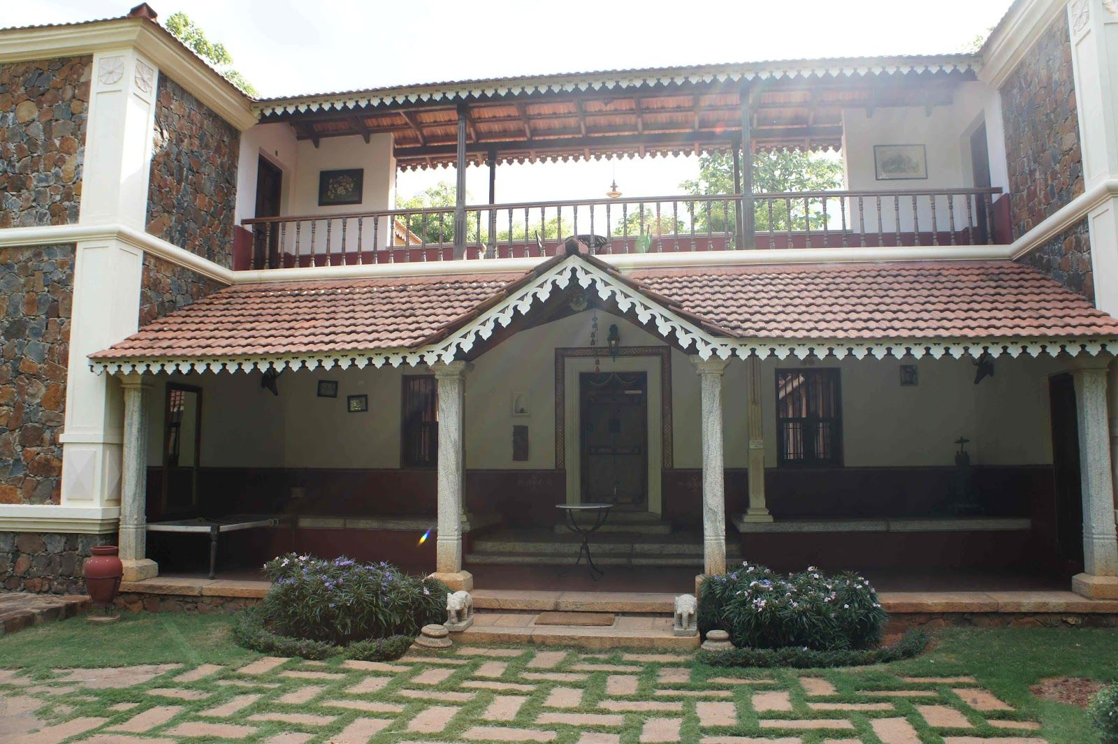 Angana Country Inn is neither a resort nor a hotel. It