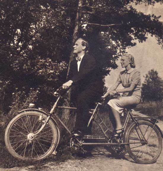Old Fashioned Wedding Songs: Bicycle, Tandem, Tandem Bicycle