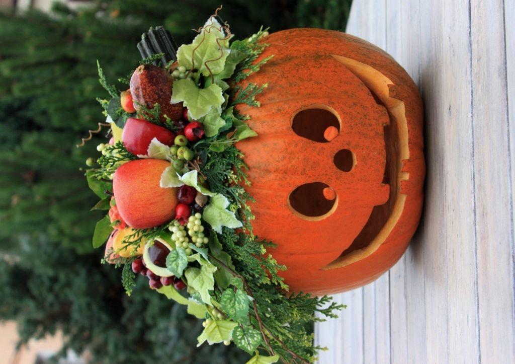 Kompozycja jesienna Dynia na Halloween ze stroikiem z