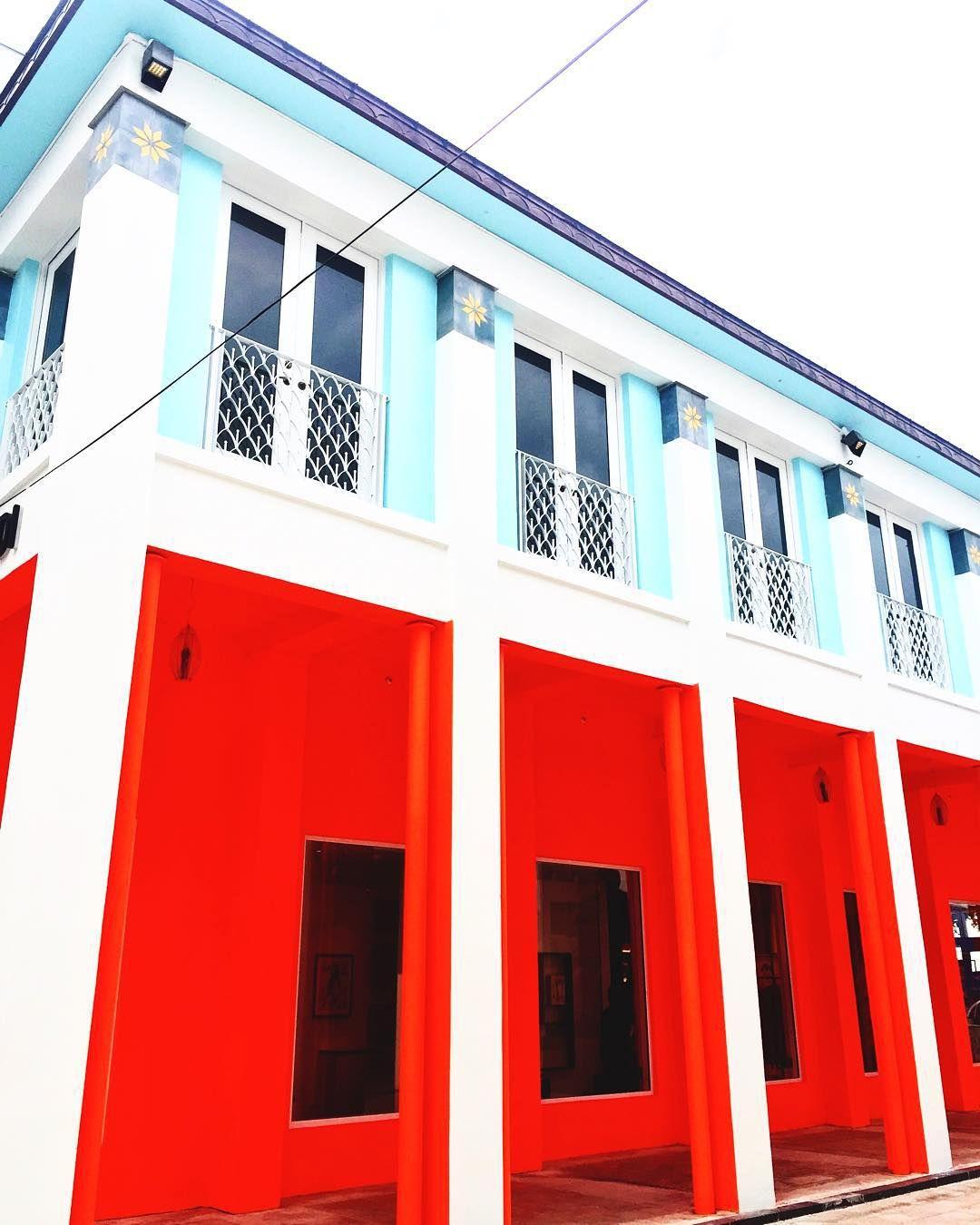 The New Fendi Casa Voyagingaround Miamidesigndistrict Colorblocks Neondistrict Fendi Voninmiami Vonvoyage In 2020 Outdoor Decor Decor Home Decor