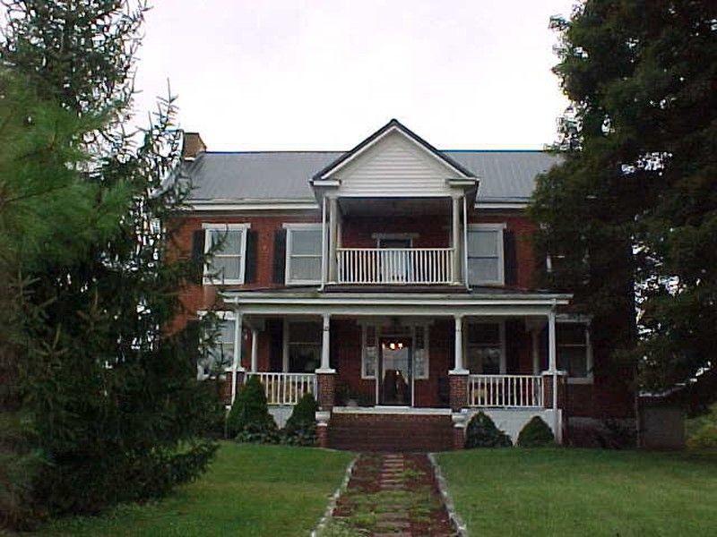 Oldhouses 1890 Federal Lovely Jonesville Historic Home In Virginia
