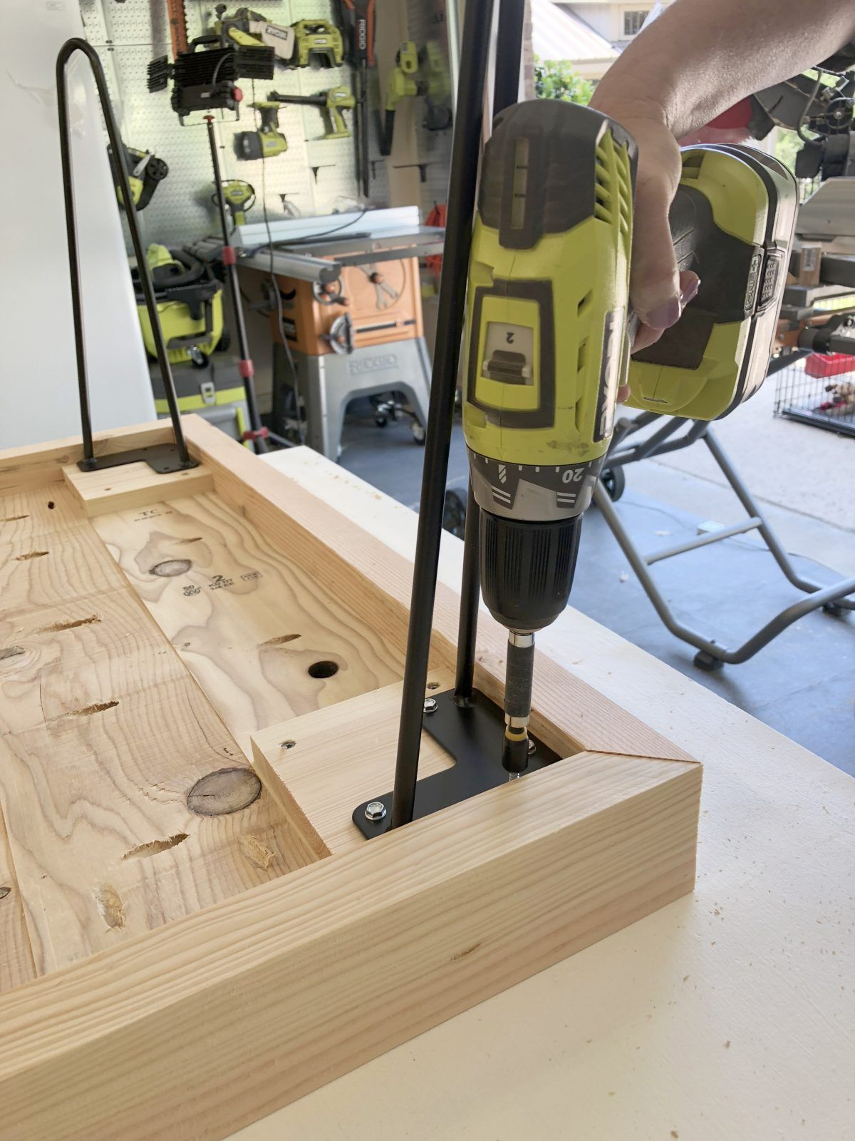 DIY $50 Hairpin Coffee Table by Shanty2Chic | Hairpin leg ...