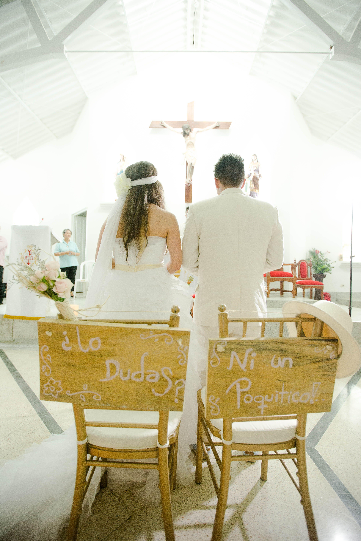 Letreros sillas novios fotos por iluminarte sillas for Decoracion sillas tapizadas