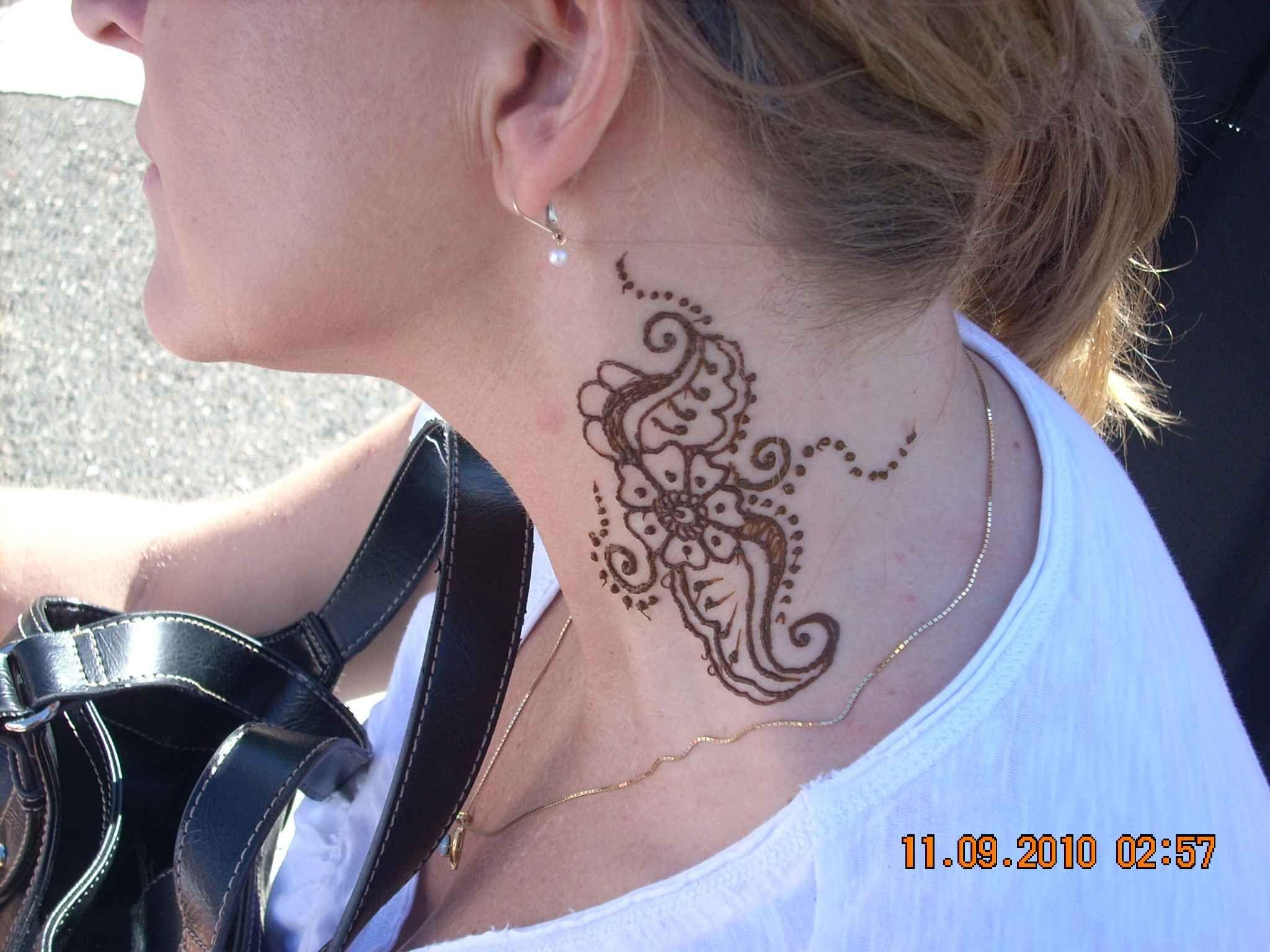 Mehndi Nape Tattoo : Henna flower tattoo on neck for women mehendi harquus