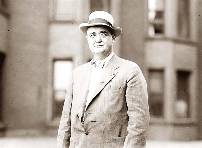 Bat Masterson Who Was A Legendary Figure Of The American West He Lived An Adventurous Life Which Included Stints Historical People History Historical Photos