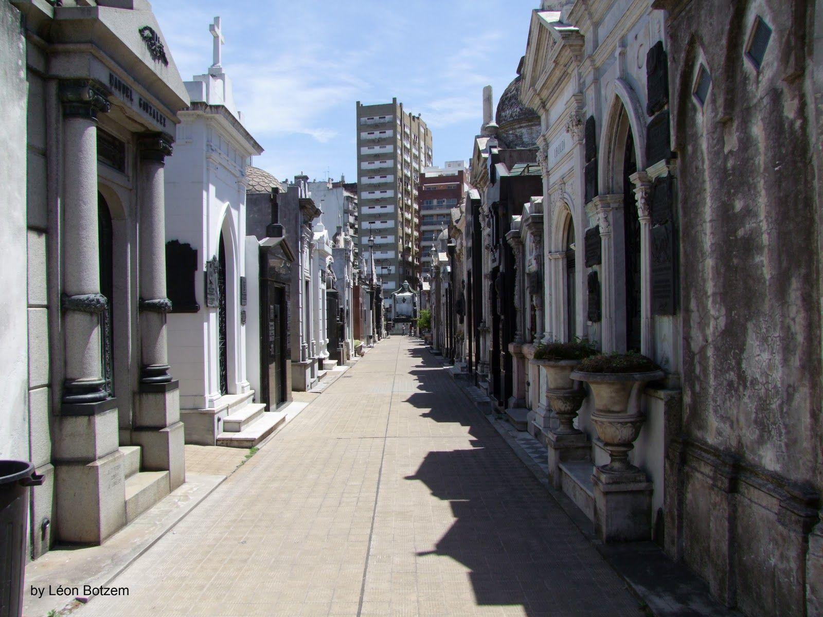 Häuser für die Ewigkeit - La Recoleta - Prominentenfriedhof in Buenos Aires, Argentinien
