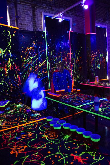 Black Light Party By Sweetlabs Via Flickr Festa Neon Festa