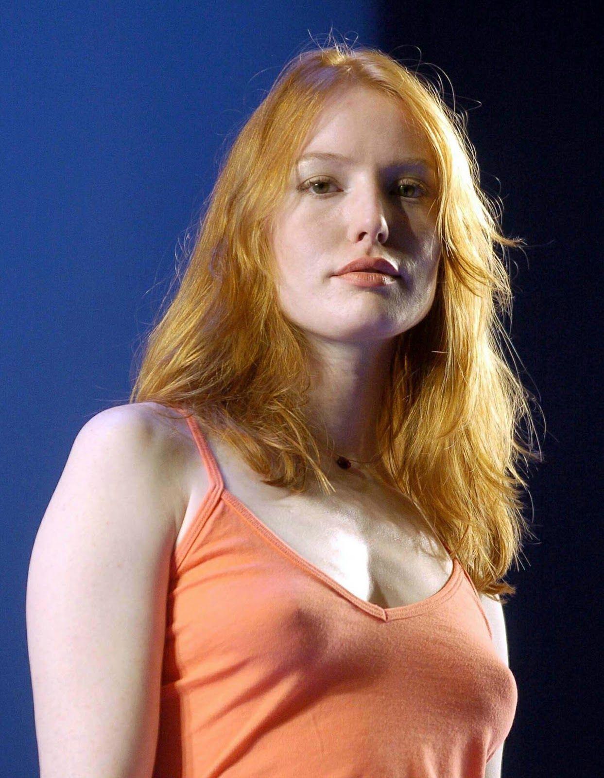 Debra Messing Braless Stunning alicia witt pokies braless nipples   celebrity pokies   pinterest