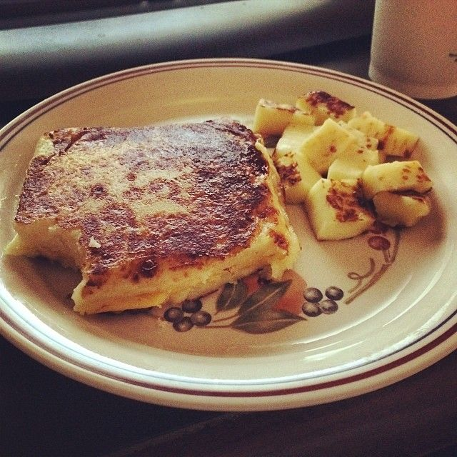 Behold... THE BREADLESS GRILLED CHEESE SANDWICH - http://geeksjourney.com/behold-the-breadless-grilled-cheese-sandwich #Grilledcheese, #Lowcarb