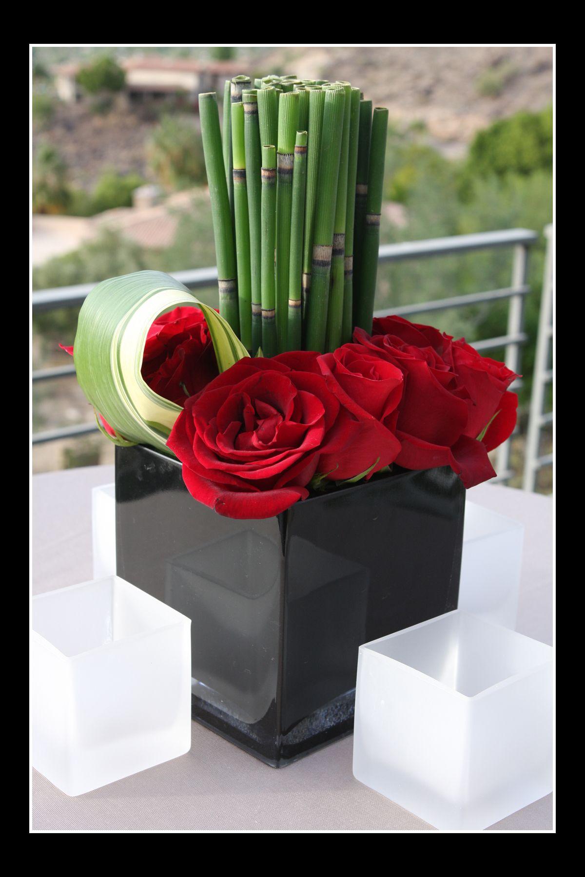 me encanta la sencillez de este arreglo floral rosas dracena cola de caballo - Arreglos Florales Modernos