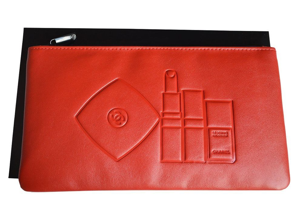 POCHETTE CHANEL ROUGE via Beauty Shop. Click on the image to see more!