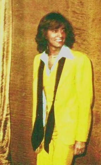 Robin- gelb ist nicht so meine Farbe, doch Robin steht's!