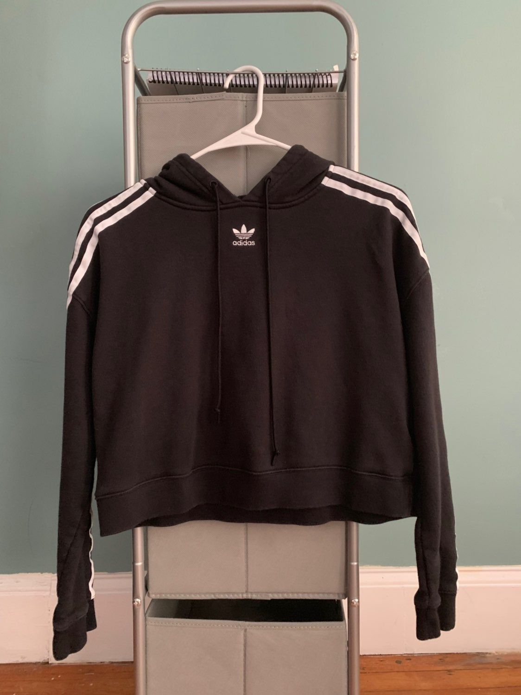 Predownload: Black Cropped Hoodie With White Stripe Down Both Sleeves Black Cropped Hoodie Cropped Hoodie Hoodies [ 1500 x 1124 Pixel ]